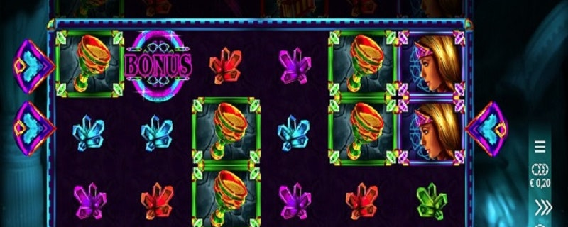 Queen of the Crystal Rays Slot from Microgaming